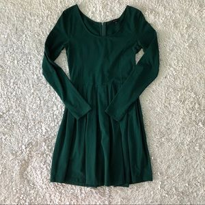 Talula (Aritzia) Emerald Green Pleated Dress
